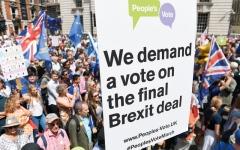الصورة: بريطانيا أمام استفتاء ثانٍ على خروجها من الاتحاد الأوروبي