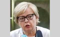 الصورة: رئيسة المحكمة العليا البولندية ترفض التقاعد