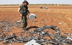 الصورة: 54 قتيلاً.. بينهم 26 من «داعــــش» في غارة للتحالف بدير الزور