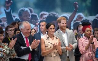 الصورة: هاري وميغان في «ضيافة مانديلا»