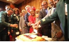 """الصورة: الإمارات تحضر حفل رحلة """"طائر السلام"""" الاثيوبية إلى إريتريا"""