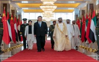 الصورة: محمد بن راشد ومحمد بن زايد في مقدمة مستقبلي الرئيس الصيني