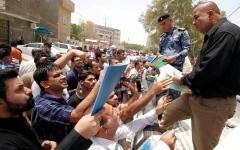 الصورة: الصدر يساند احتجاجات العراق.. ويدعو إلى تأجيل  تشكيل الحكومة