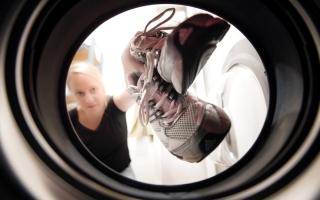 الصورة: 5 نصائح لتنظيف الملابس الصيفية