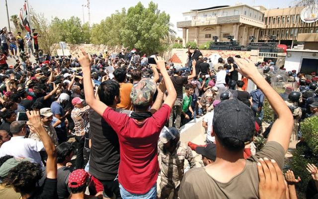 الصورة: احتجاجات العراق تعكس الإهمــال الذي تعانيه أجزاء من البلاد