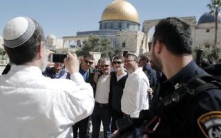 الصورة: تنديد فلسطيني باقتحام 1023 يهودياً المسجد الأقصى بحماية الاحتلال