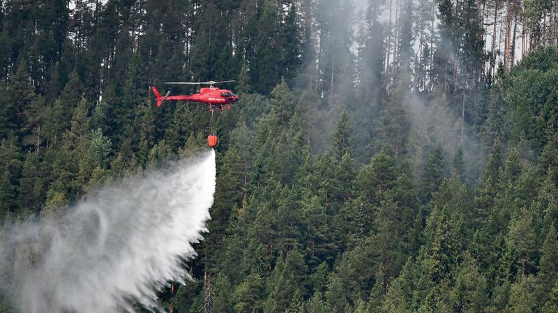 عمليات مكافحة حرائق الغابات في السويد.  إي.بي.إيه