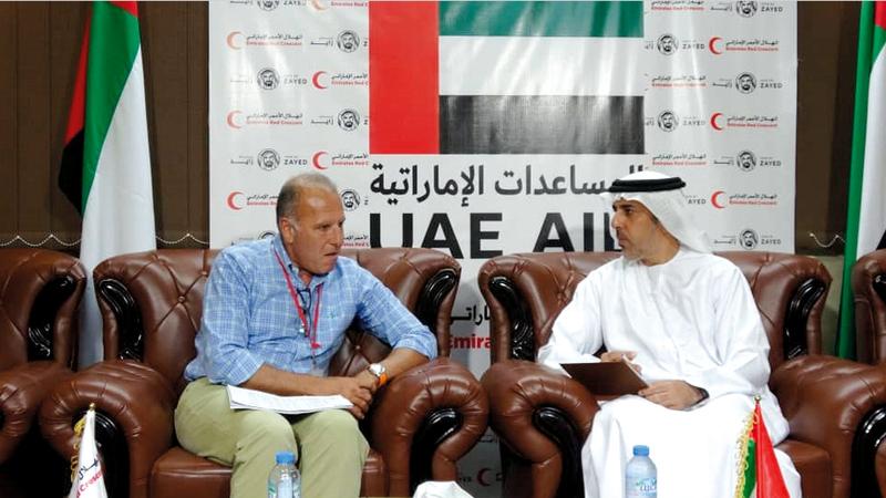 الكعبي استعرض مع ريكيا إنجازات الإمارات في اليمن. وام