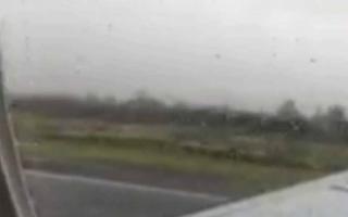 الصورة: بالفيديو.. لحظة سقوط طائرة مكسيكية وتحطمها