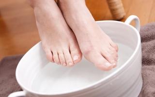 الصورة: وصفات منزلية لمحاربة بثور الأقدام