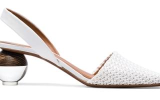 الصورة: الكعوب الفنية تزين الأحذية النسائية