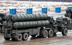 الصورة: ماتيس يدعم تخفيف العقوبات ضد من يشترون الأسلحة الروسية