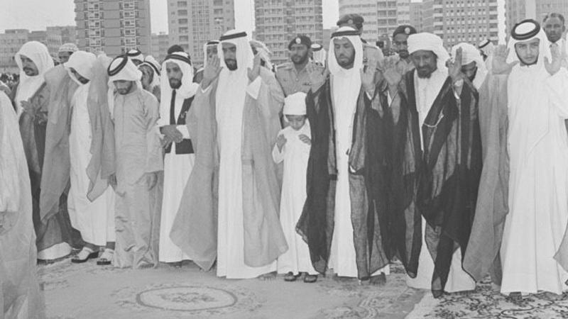 ذكرى تولي الشيخ زايد الحكم في أبوظبي ستظل خالدة بقلوب الإماراتيين. وام