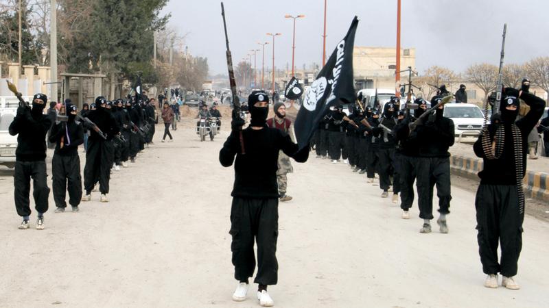 الكثير من مقاتلي «داعش» انضموا إلى منظمات متطرفة أخرى لا تقل عنه تطرفاً. أرشيفية