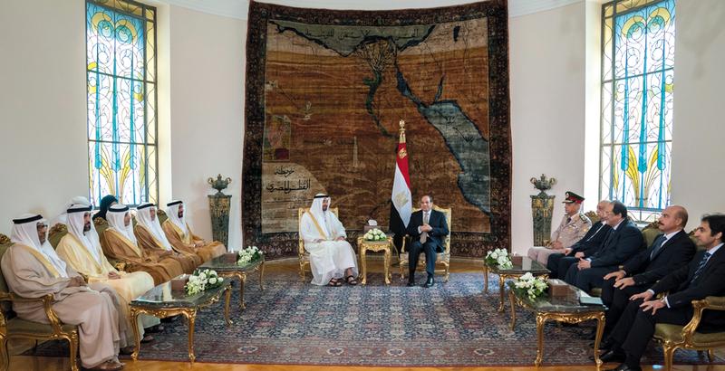 محمد بن زايد والسيسي أكدا أهمية تضافر الجهود الإقليمية والدولية لمكافحة الإرهاب والتطرف واجتثاثهما من جذورهما وتجفيف منابعهما. وام