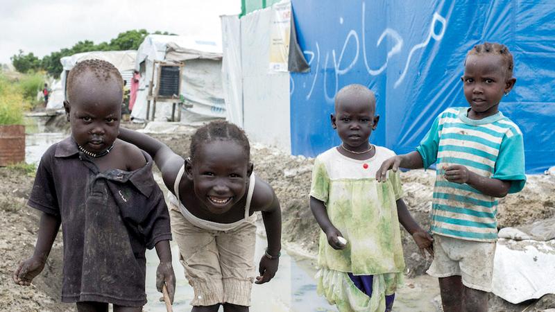 أطفال يتجولون في الشوارع بحثاً عن الطعام. غيتي