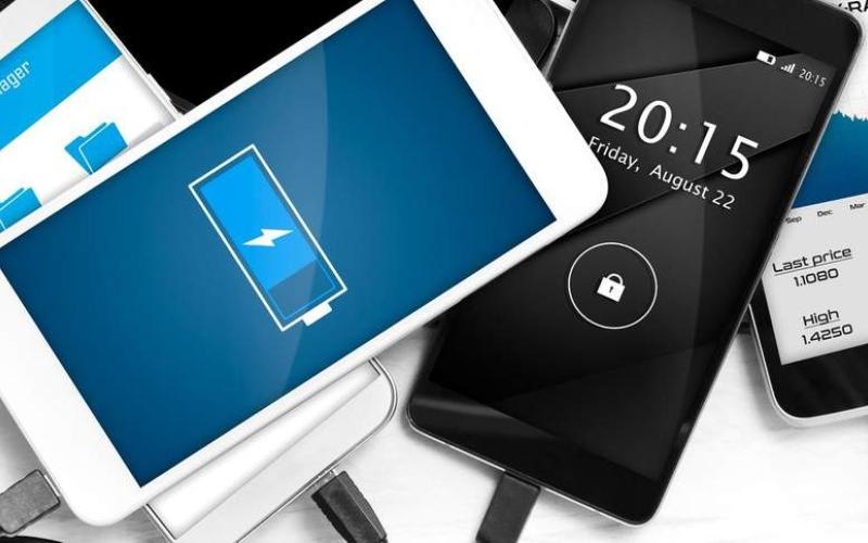 الصورة: كيف تُطيل من العمر الافتراضي لبطارية هاتفك الذكي