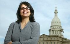 الصورة: رشيدة طليب.. أول عربية مسلمة تدخل الكونغرس الأميركي