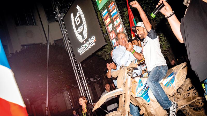 محمد البلوشي خلال الاحتفال باللقب العالمي. من المصدر