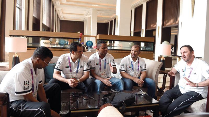 من لقاء الوفد الإداري بالإعلاميين. الإمارات اليوم