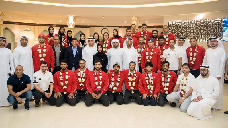 جانب من استقبال عبدالله بن محمد لأبطال الجوجيتسو في أبوظبي. من المصدر