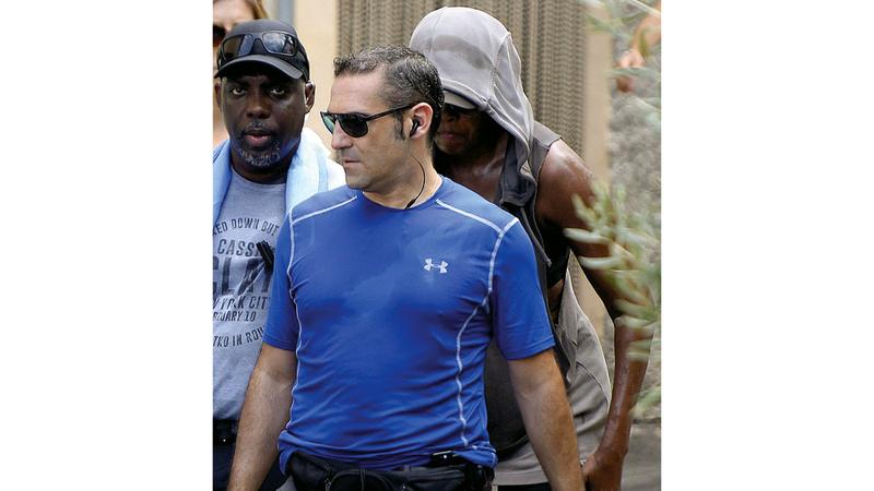 ميشيل أوباما حاولت التخفّي عن الأنظار أثناء طوافها في مايوركا. غيتي