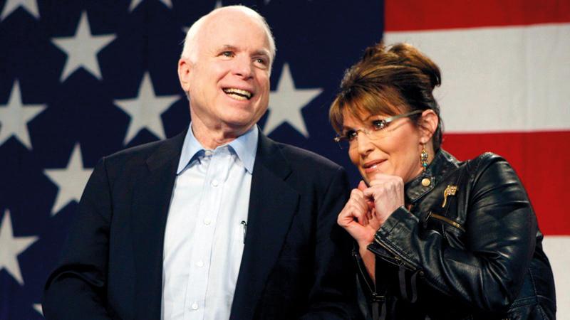 سارة بالين مع جون ماكين خلال الحملة الرئاسية. غيتي