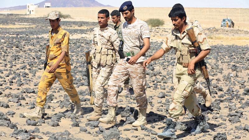 عناصر من قوات الشرعية في إحدى مناطق مأرب. رويترز