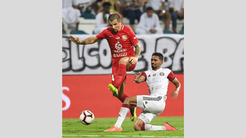 مباراة شباب الأهلي والجزيرة شهدت ندية كبيرة بين الفريقين. تصوير: إريك أرازاس