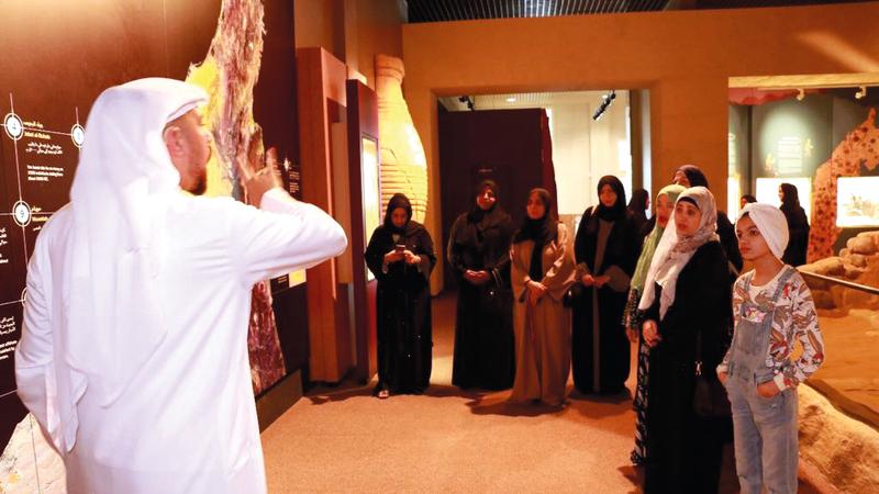 البرنامج أتاح الفرصة للزوار الصم للتعرف إلى المتاحف ومقتنياتها وملامح الحياة في العصور القديمة. من المصدر