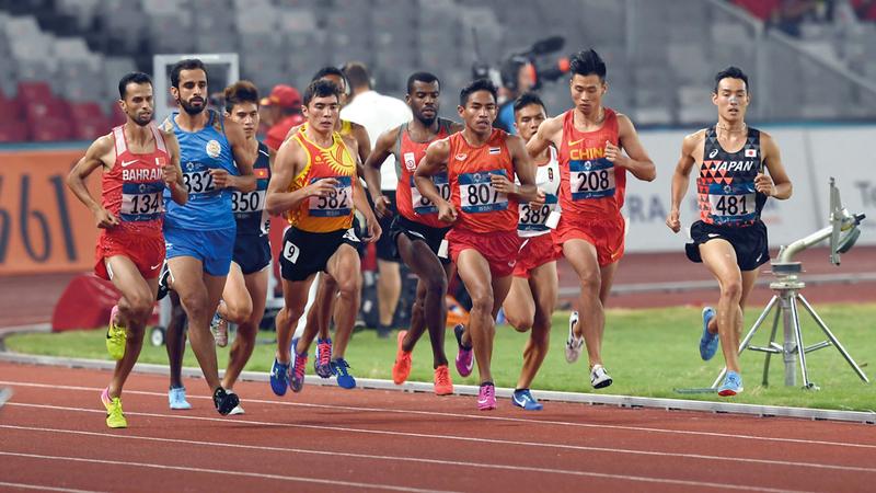 من سباق الجري 1500 متر في «آسياد إندونيسيا». من المصدر