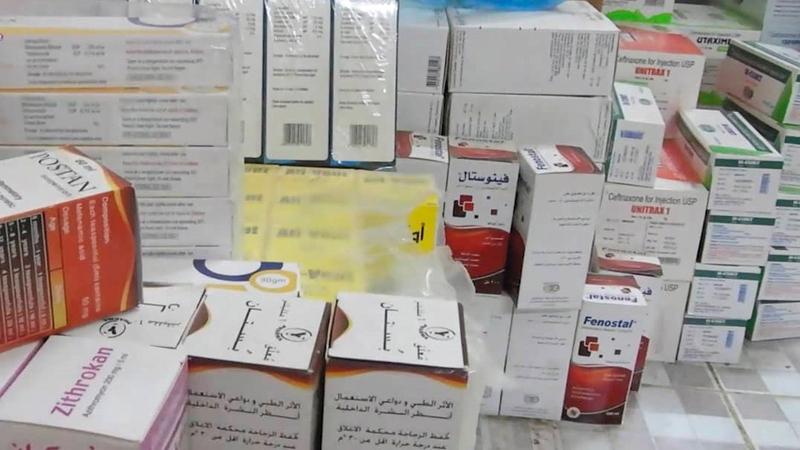 «الهلال» رفدت المستشفى الريفي بمديرية التحيتا بالأدوية والمستلزمات الطبية.  وام