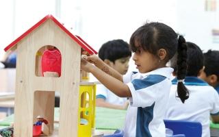 الصورة: مدارس خاصة في أبوظبي تُلزم ذوي الطلبة بتحرير شيكات بكامل رسومها مع بداية العام الدراسي