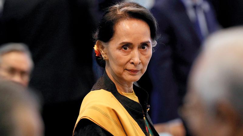 رئيسة الوزراء الحالية أيونغ سان سو تشي مسؤولة عن جزء مما يحدث.  رويترز