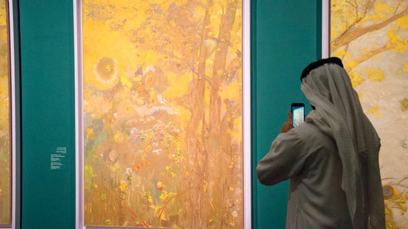 المعرض يتتبع تأثير الفن الياباني على تطور مبادئ الفن الحديث  في فرنسا.  من المصدر