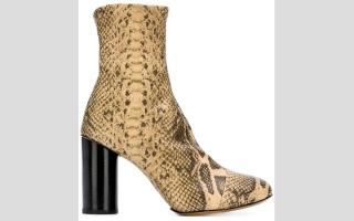 الصورة: الأحذية النسائية تطل بنقوش شرسة