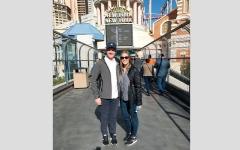 الصورة: زوجان يسافران حول العالم على الدرجة الأولى مجاناً