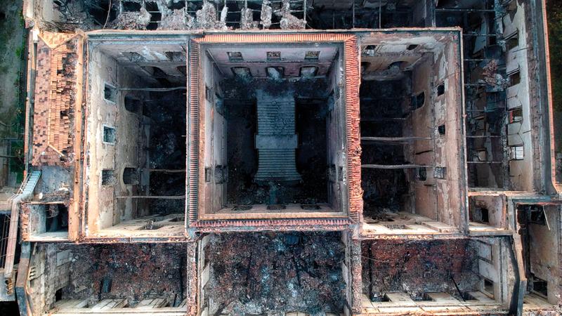 صورة جوية للمتحف توضح حجم الدمار الذي لحق به جراء الحريق.  أ.ف.ب