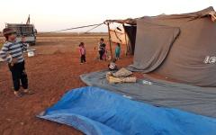 الصورة: أهالي إدلب يستعدون للأسوأ مع هجوم وشيك لقوات النظام السـوري