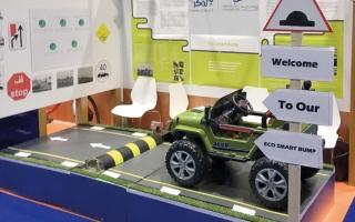 الصورة: مطب اصطناعي يولّد الكهرباء من حركة السيارات