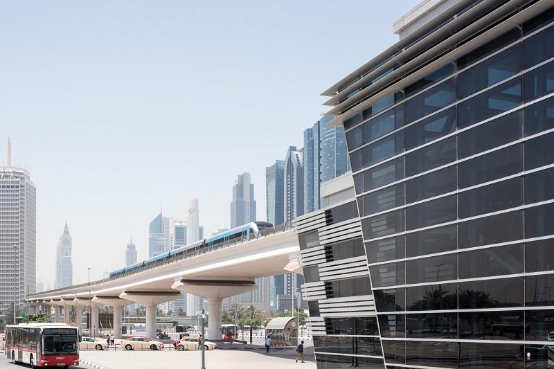 تكامل وسائل النقل الجماعي المترو والحافلات ومركبات الأجرة