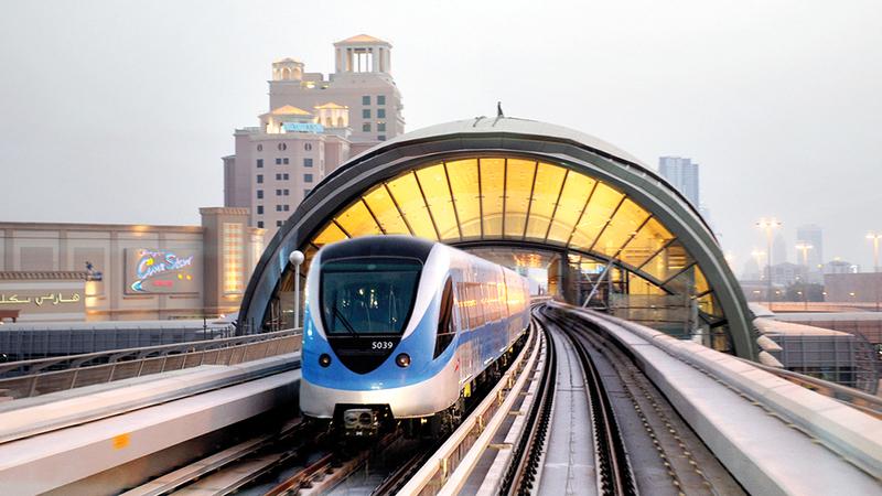 تطوير شبكات الطرق وأنظمة وخدمات النقل الجماعي يوفر 125 مليار درهم. من المصدر