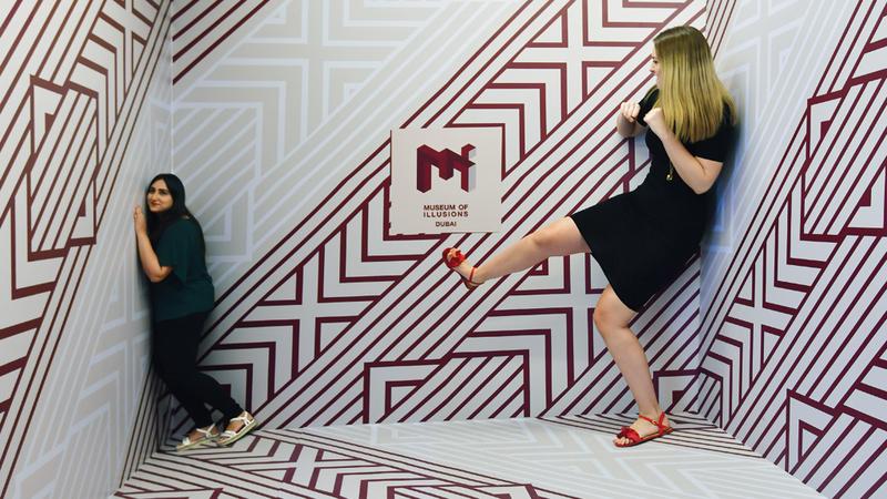 الجانب التفاعلي أبرز ما يميز معروضات وألعاب متحف الغموض.  تصوير: باتريك كاستيلو