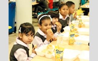 الصورة: 43 % من ذوي طلبة المدارس الحكومية في أبوظبي «غير راضين» عن وجبات المقاصف