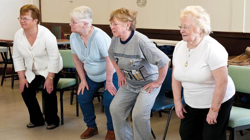 تقدّم العمر في بريطانيا يترافق عادة مع الأمراض المزمنة. أرشيفية