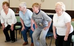 الصورة: النساء في المملكة المتحدة يعشـن رُبع حياتهن بحالة صحية سيئة