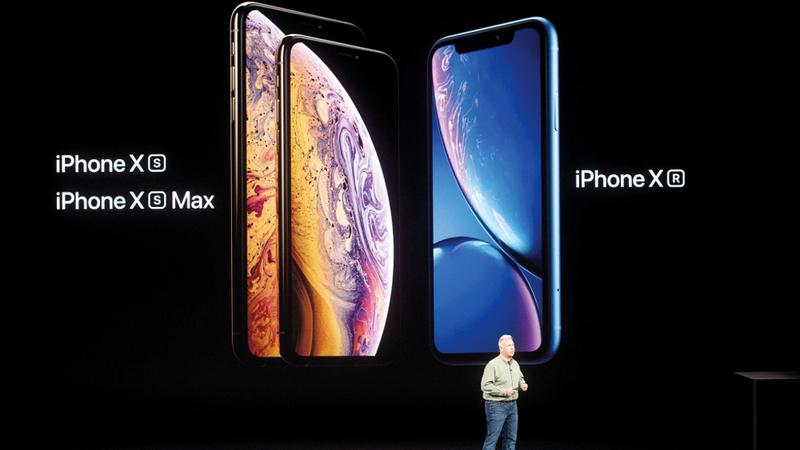 الهواتف الجديدة تشمل «آي فون إكس إس» و«آي فون إكس إس ماكس» و«آي فون إكس آر». أ.ف.ب
