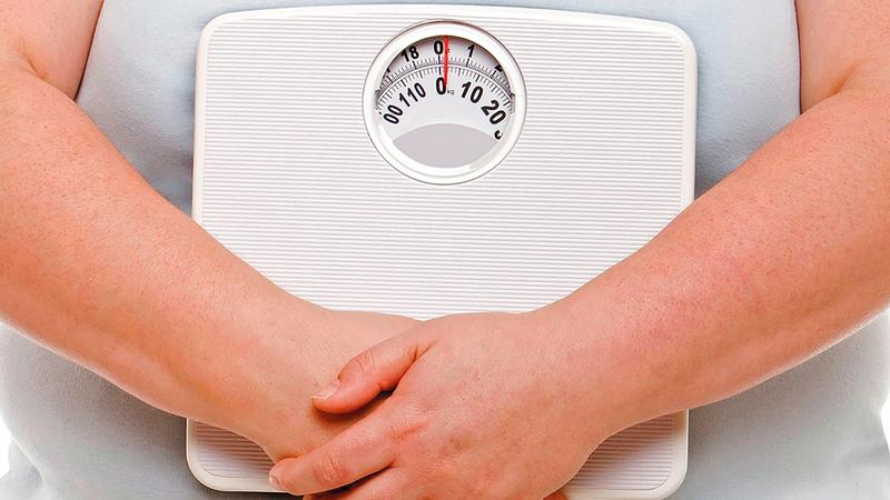 الطالب يعتبر مصابا بالسمنة إذا بلغ - أو تجاوز- حساب معدل كتلة الجسم عند الطفل 28.  الإمارات اليوم