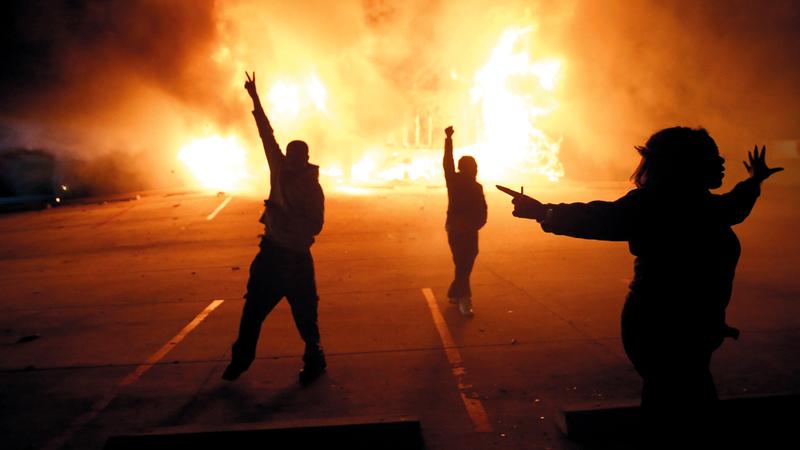 احداث الشغب ذات الخلفية العنصرية في اميركا قديمة ولن تختفي قريبا. غيتي