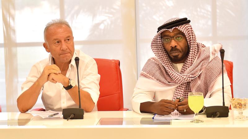 زاكيروني وعبدالله صالح حضرا اجتماع لجنة المنتخبات. من المصدر